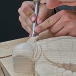 houtbewerken, beeldhouwen met hout